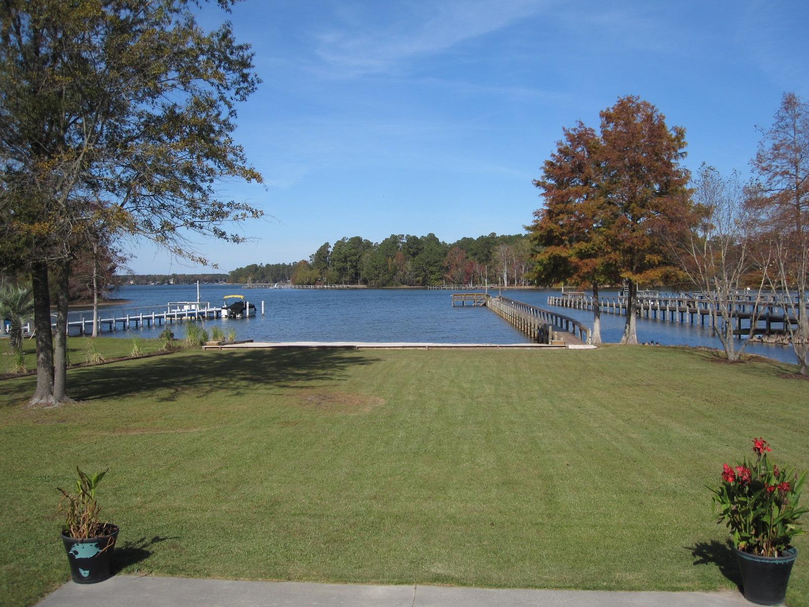 Photo of 1170 Shore Dr, Manning, SC 29102