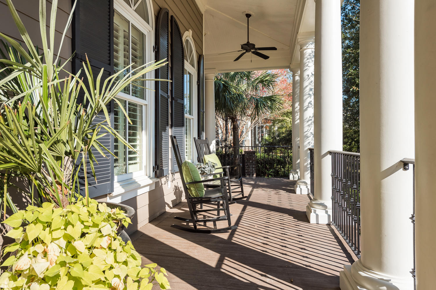 Photo of 147 Island Park Dr, Charleston, SC 29492