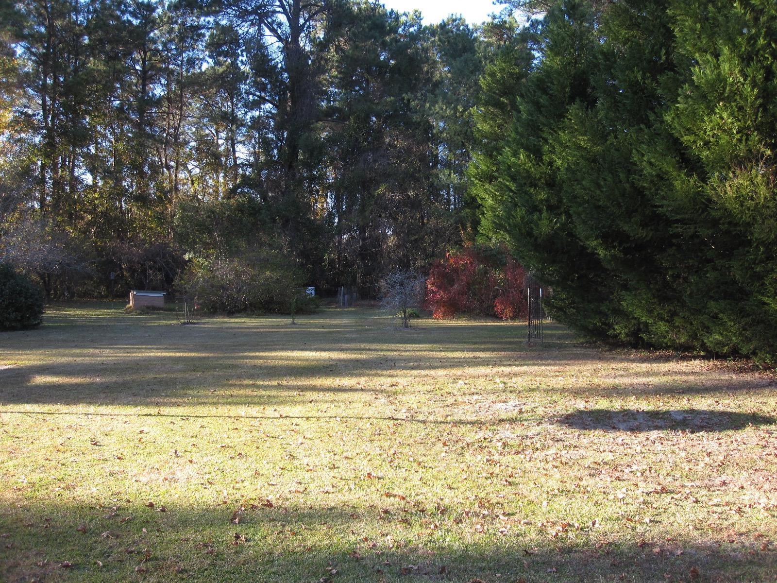 Photo of 1026 Doral Dr, Manning, SC 29102