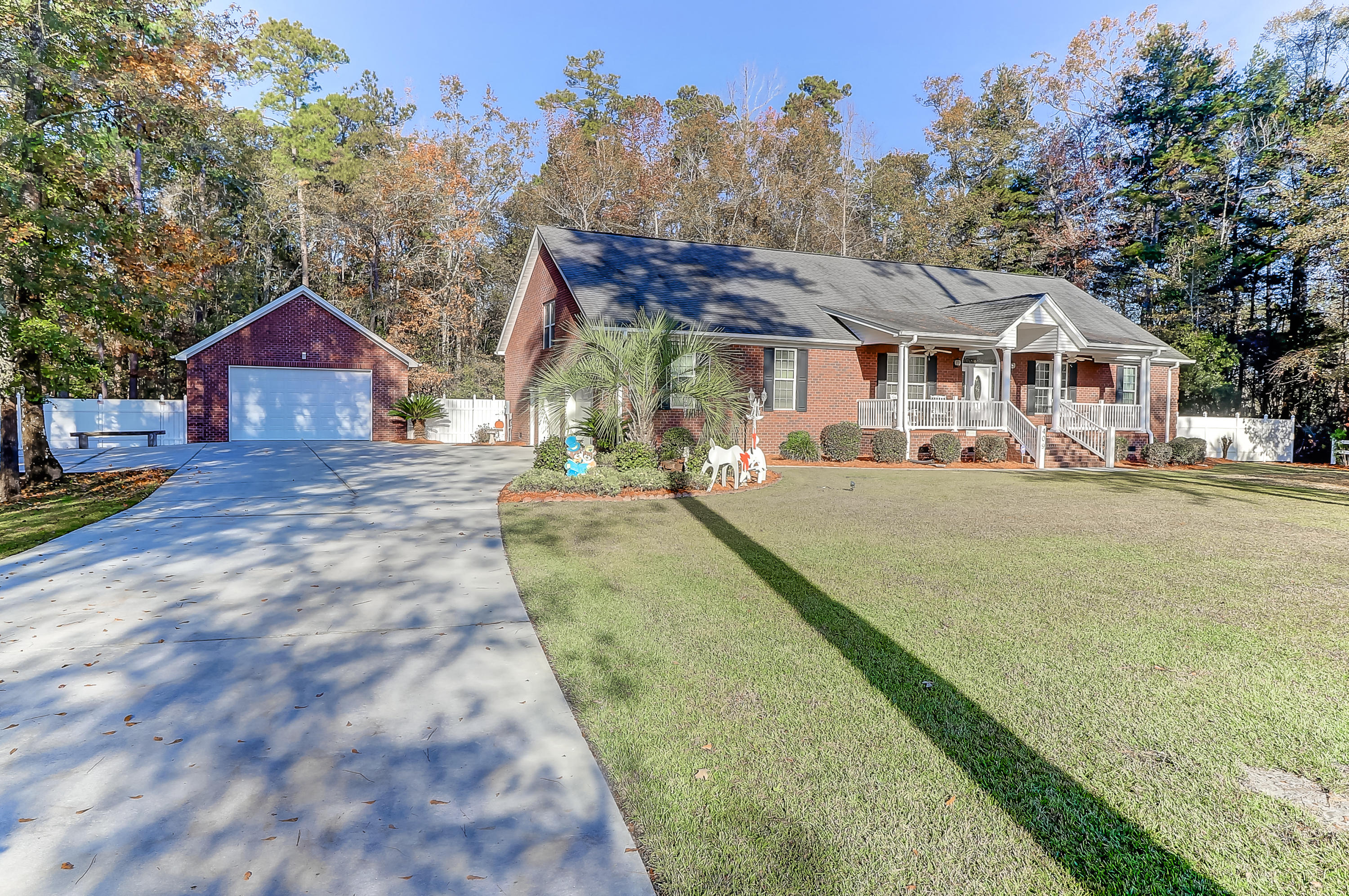 Photo of 409 Cypress Point Dr, Summerville, SC 29483