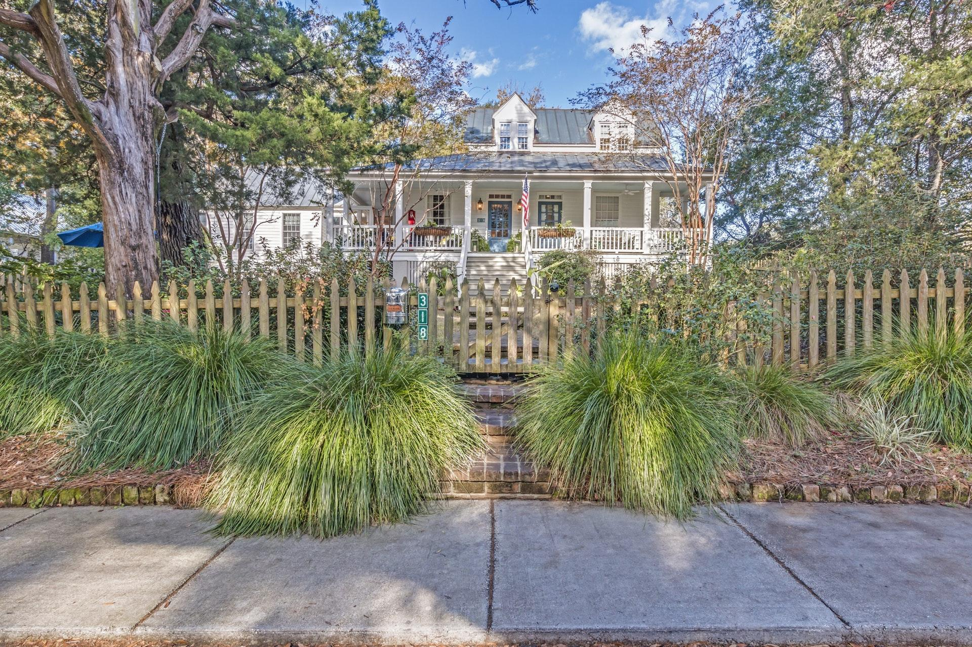 Photo of 318 King St, Mt Pleasant, SC 29464