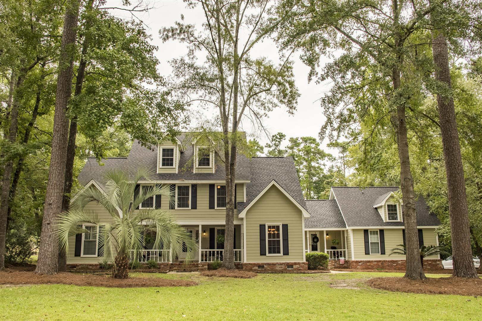 Photo of 415 Country Club Blvd, Summerville, SC 29483