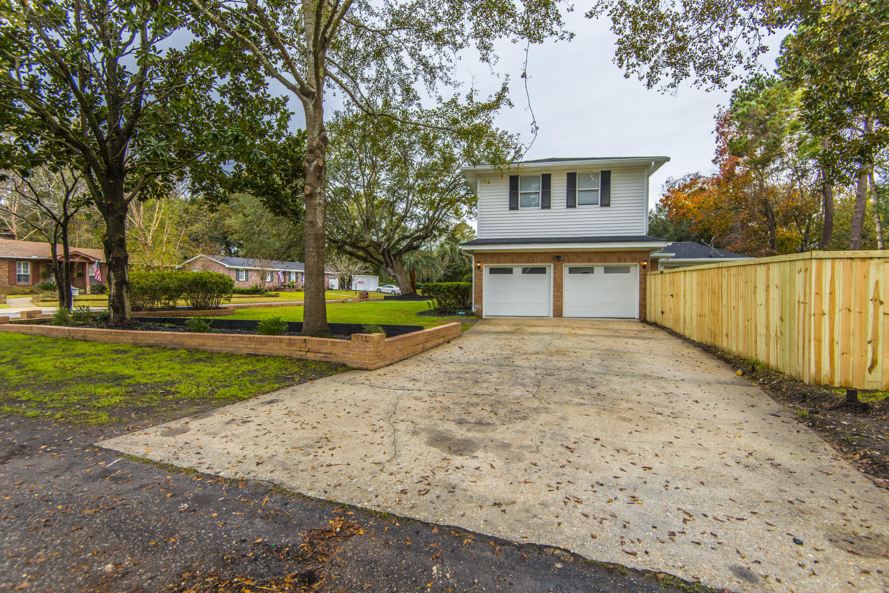 Photo of 1226 Winchester Dr, Charleston, SC 29407
