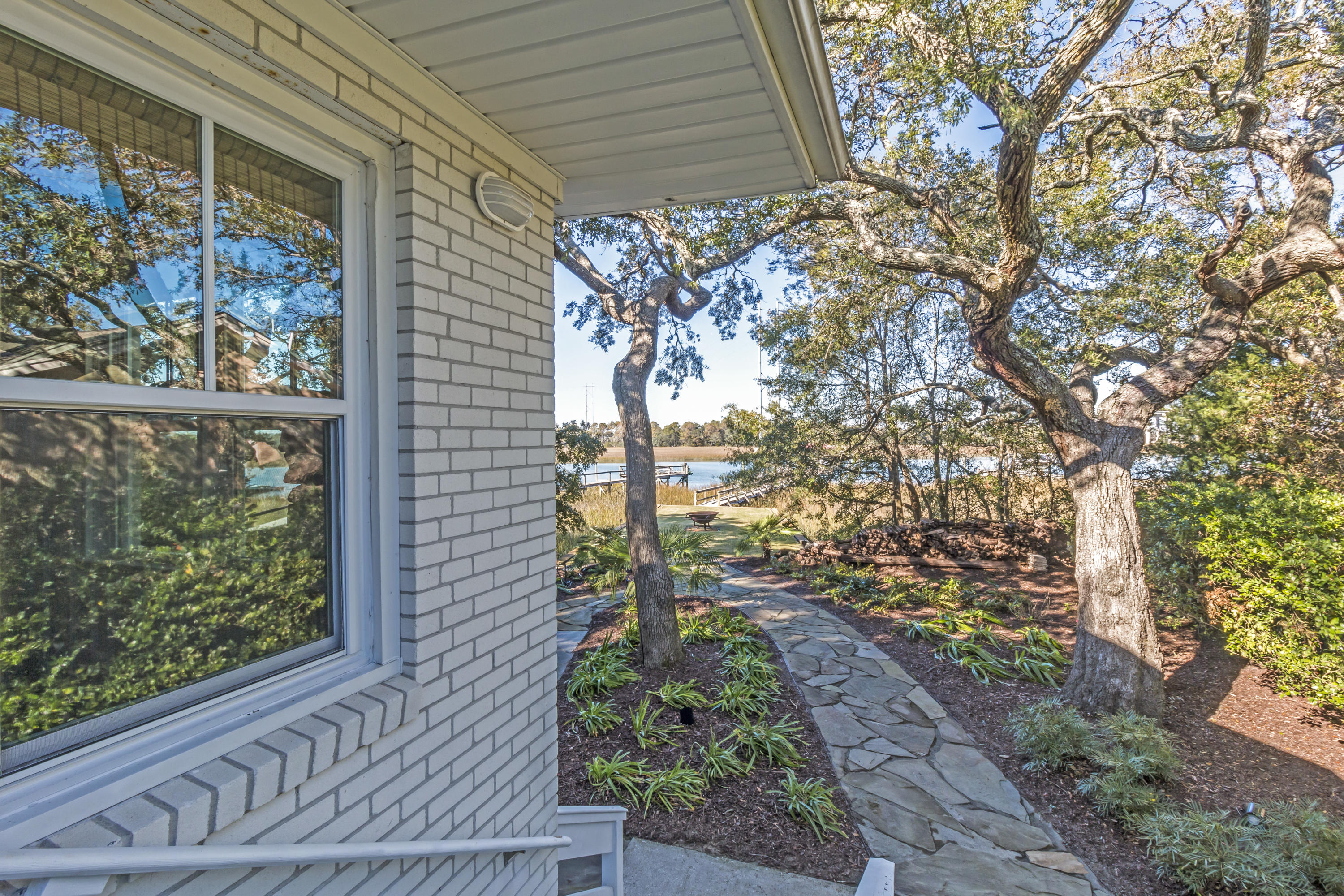 Photo of 1207 Oak Harbor Blvd, Isle of Palms, SC 29451