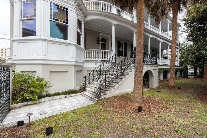 Photo of 104 Rutledge Ave, Charleston, SC 29401