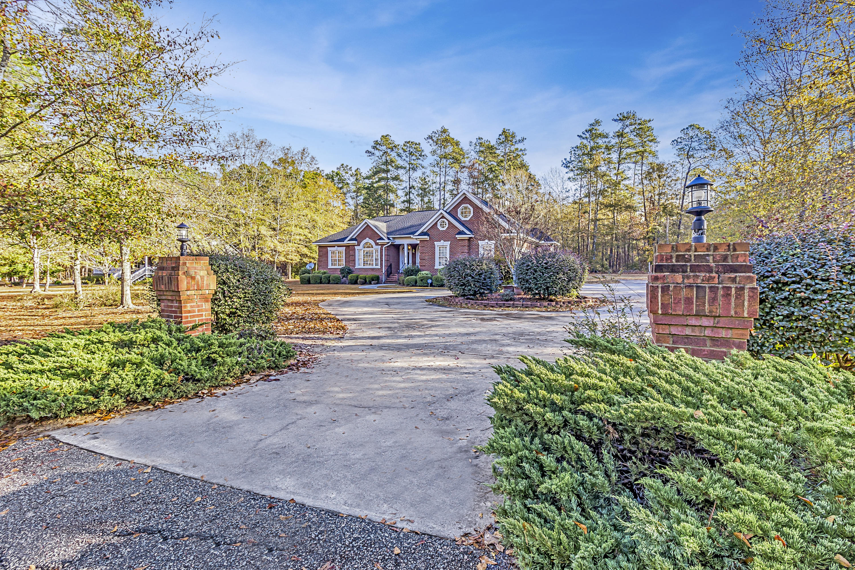 Photo of 369 Pinewood Dr, Santee, SC 29142