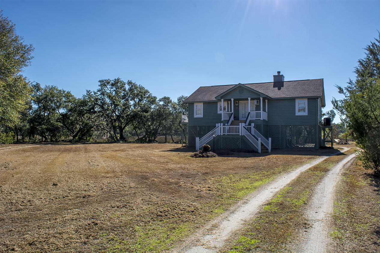 Photo of 8899 Marsh Aire Ln, Edisto Island, SC 29438