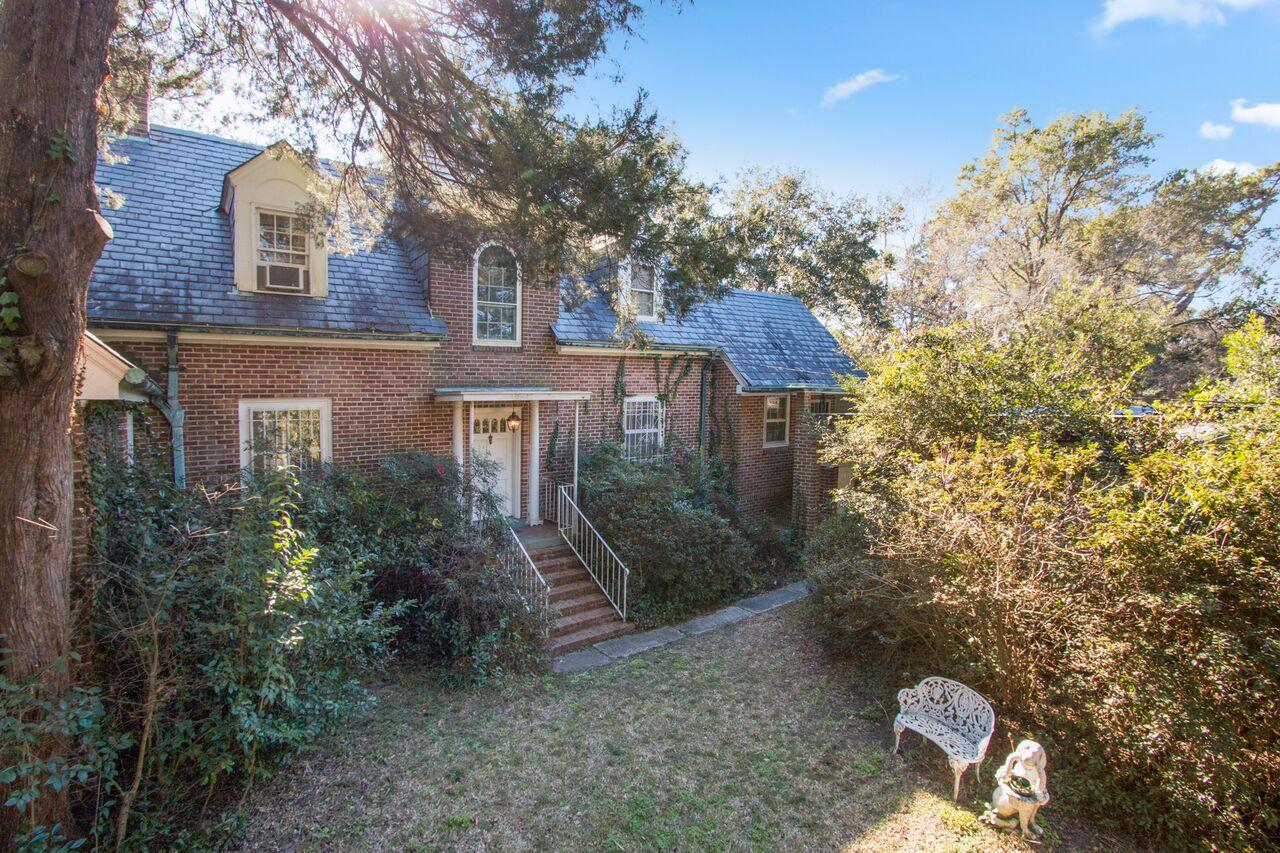 Photo of 111 Folly Rd Blvd, Charleston, SC 29407