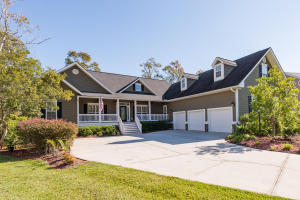 Golf Community homes in West Ashley