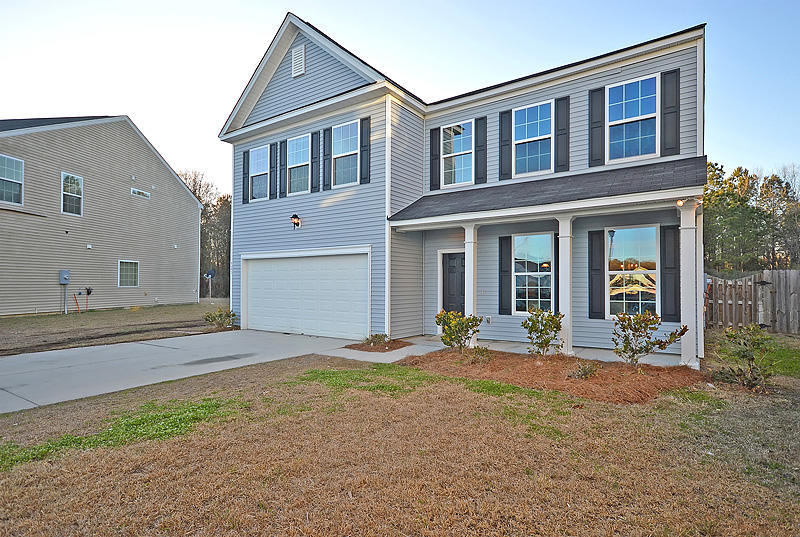 Photo of 921 Laurel Oak Ln, Moncks Corner, SC 29461