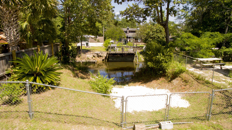 Photo of 312 Lake Moultrie Dr, Bonneau, SC 29431