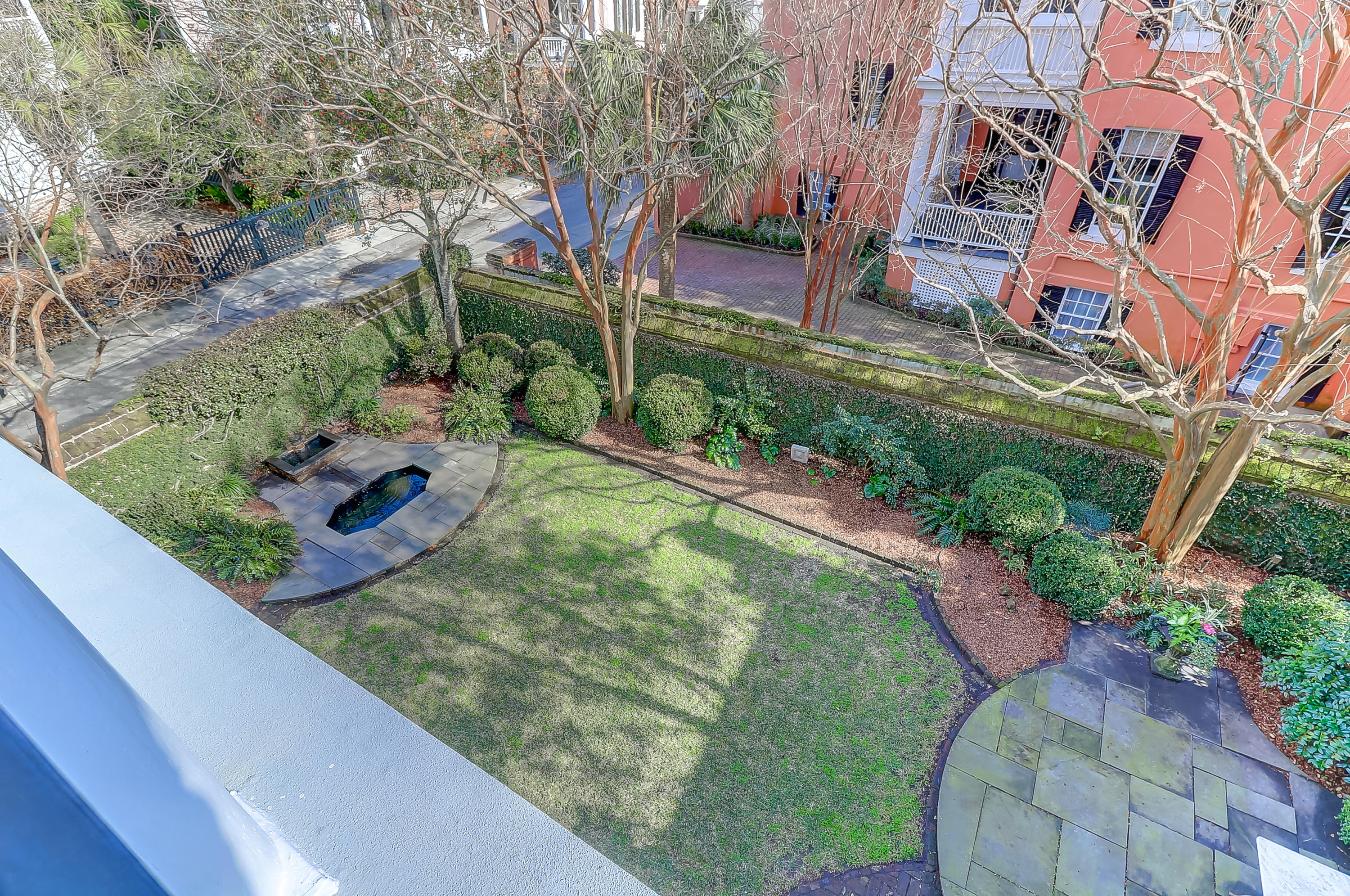 Photo of 11 Water St, Charleston, SC 29401