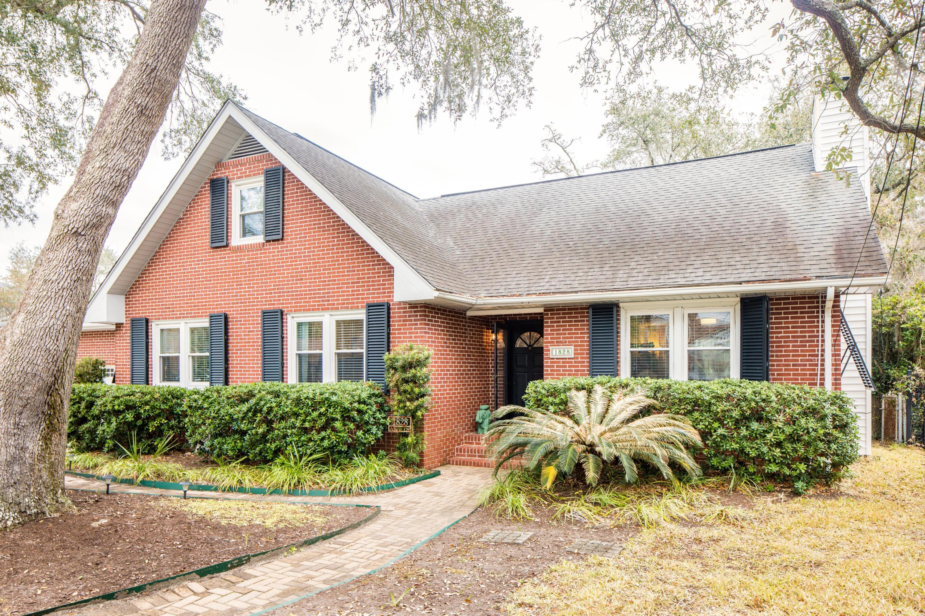 Photo of 1828 Alice Dr, Charleston, SC 29407