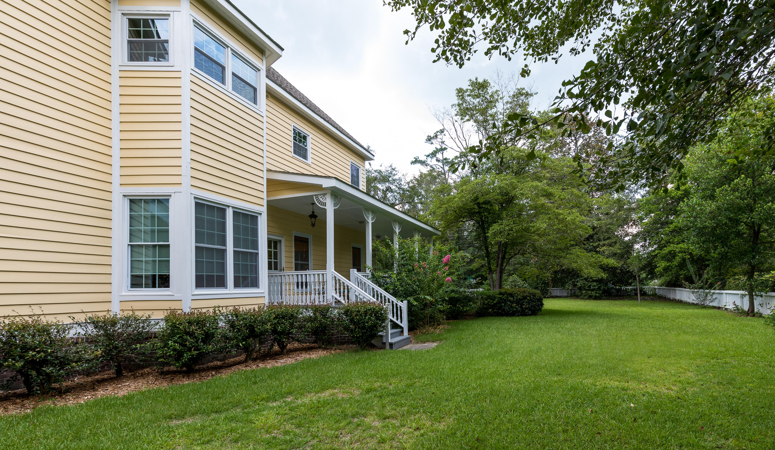 Photo of 539 Central Ave, Summerville, SC 29483