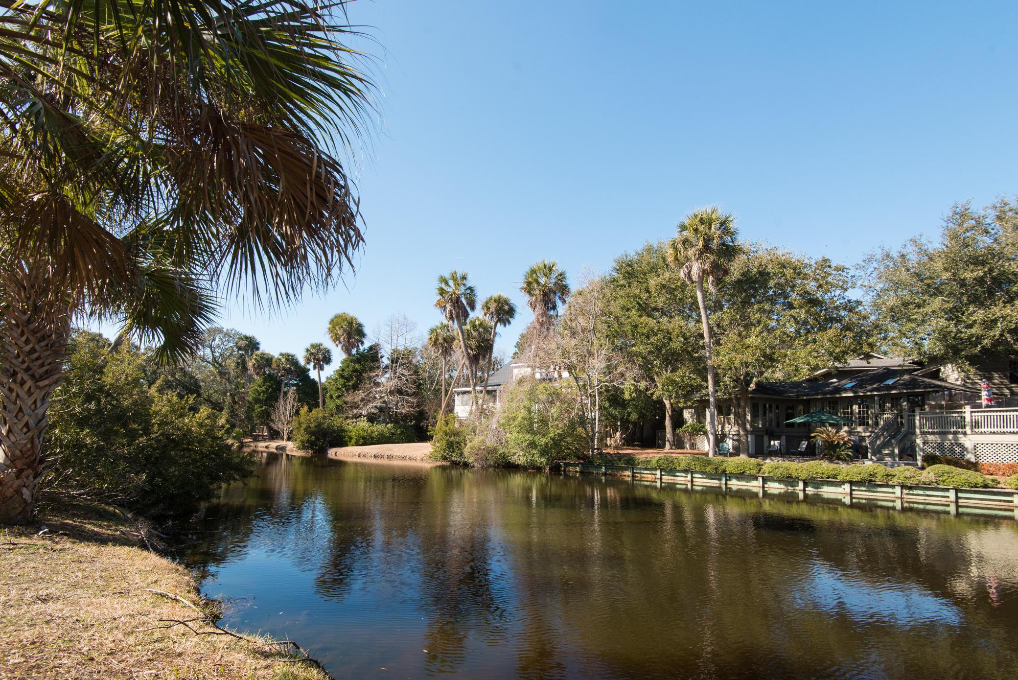 Photo of 25 Fairway Oaks Ln, Isle of Palms, SC 29451