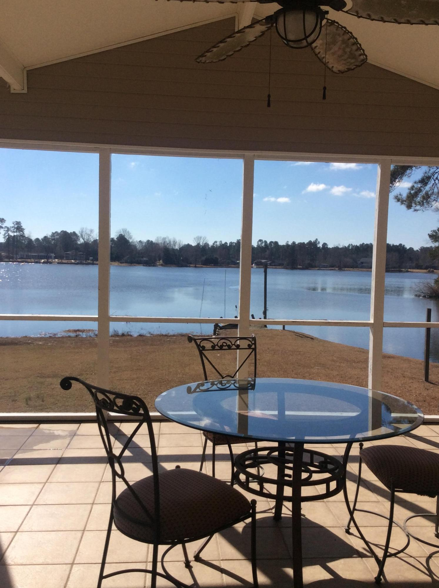Photo of 1719 Taw Caw Dr, Summerton, SC 29148