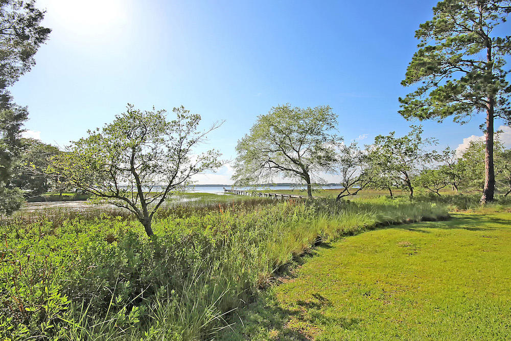 Photo of 6080 Josie Ridge Rd, Wadmalaw Island, SC 29487