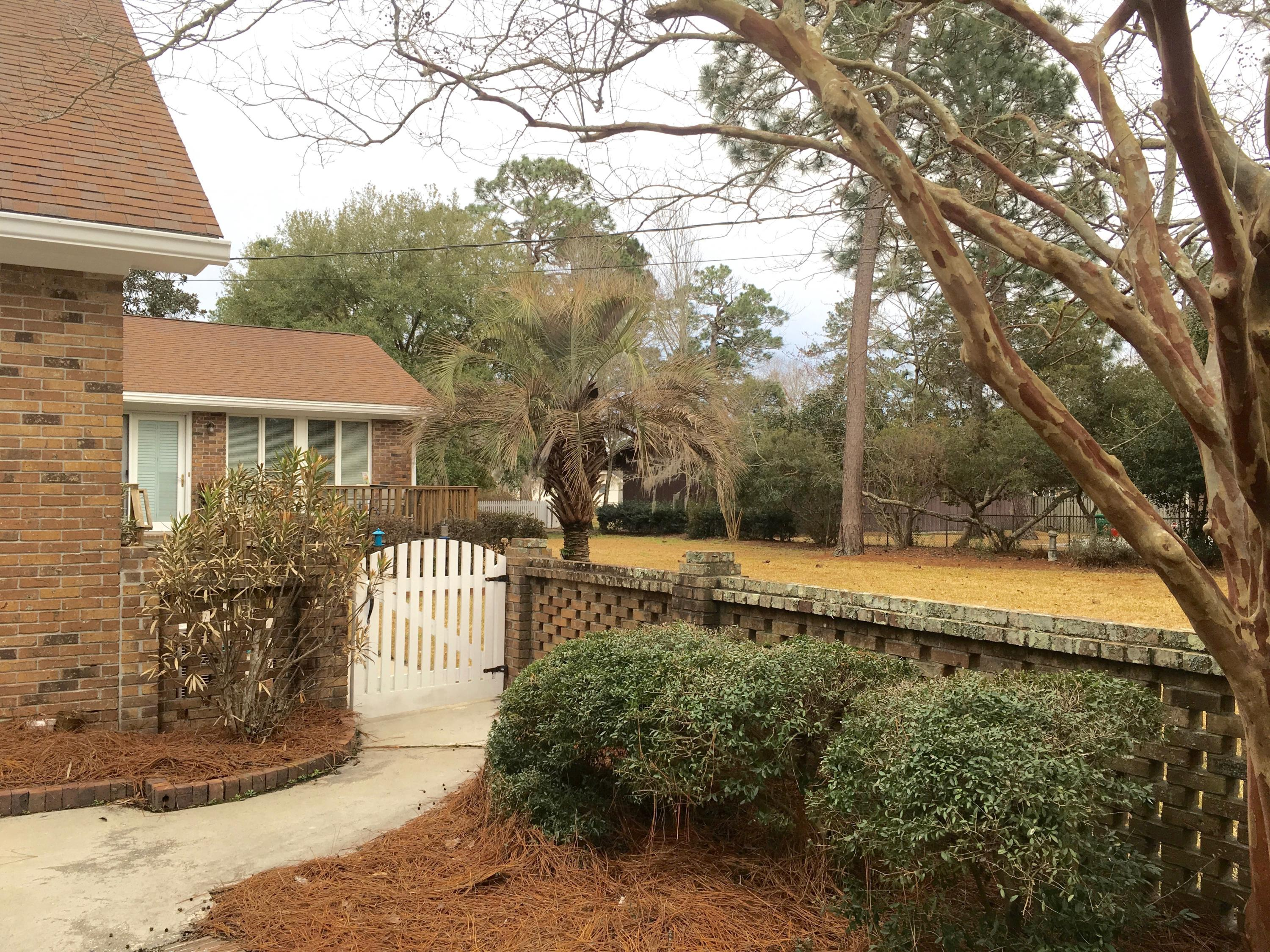 Photo of 504 W 5th N St, Summerville, SC 29483
