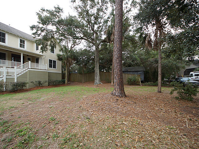Photo of 220 E Erie Ave, Folly Beach, SC 29439