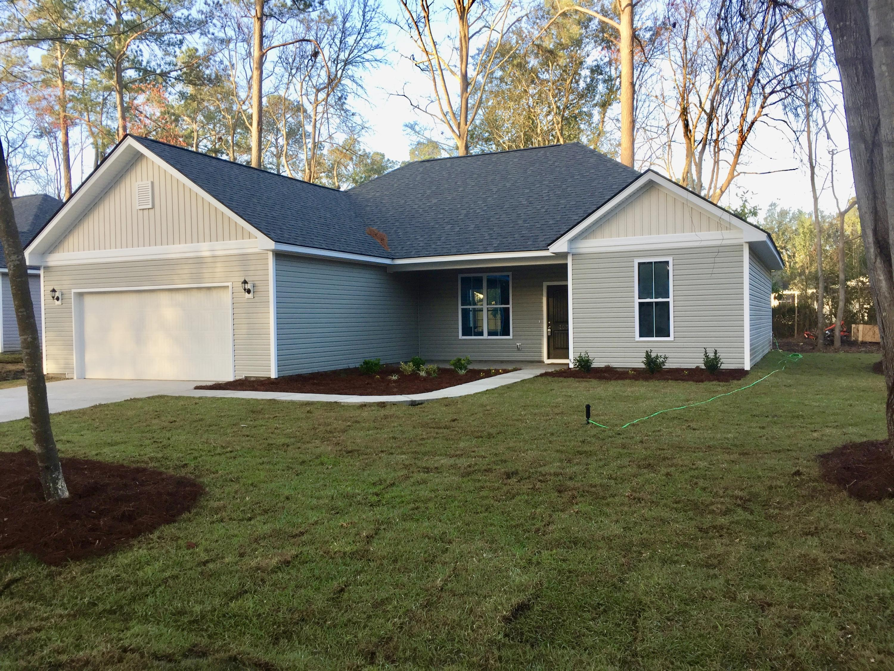 Summerville Heights Homes For Sale - 103 Mary, Summerville, SC - 28