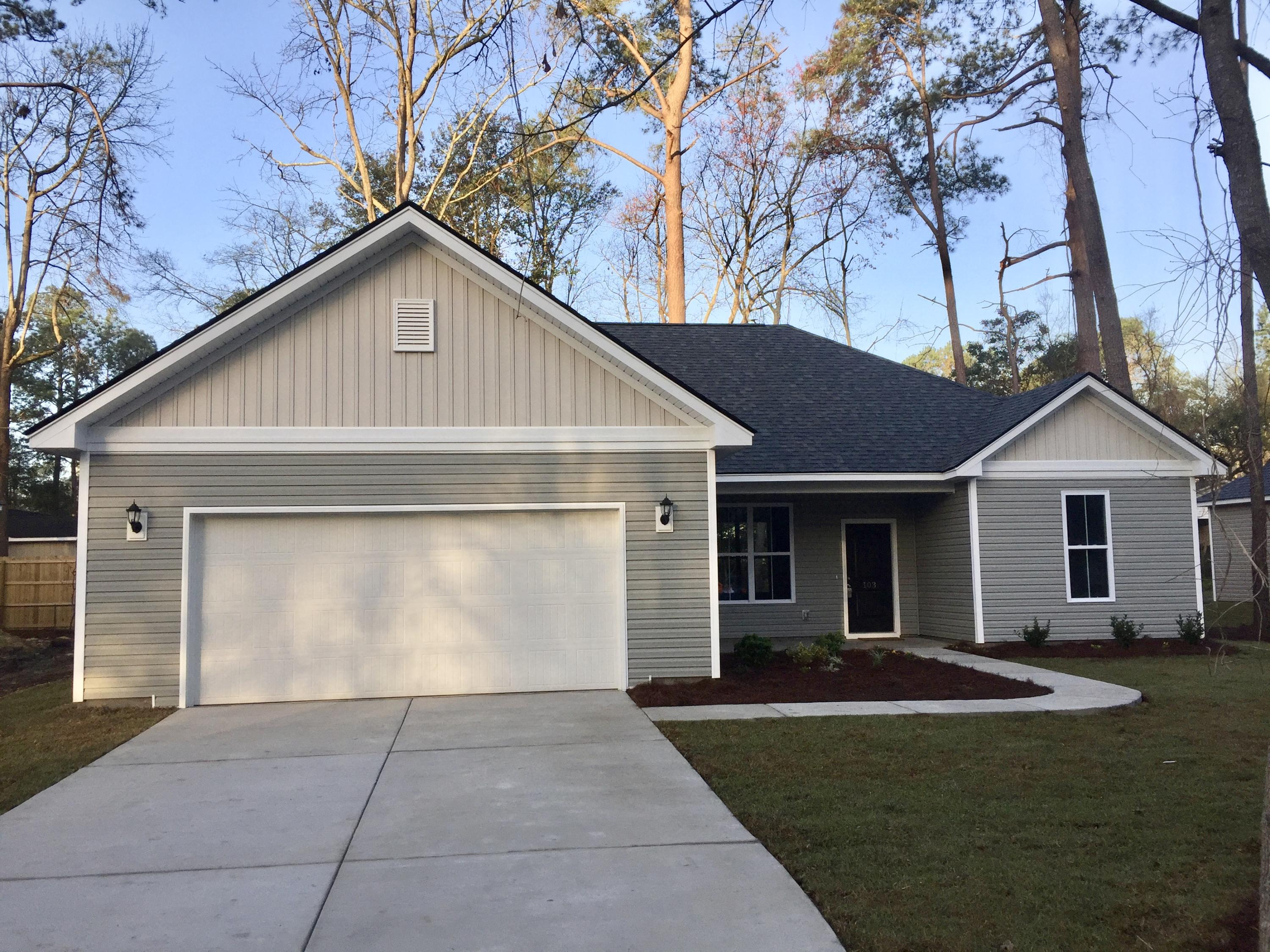 Summerville Heights Homes For Sale - 103 Mary, Summerville, SC - 29