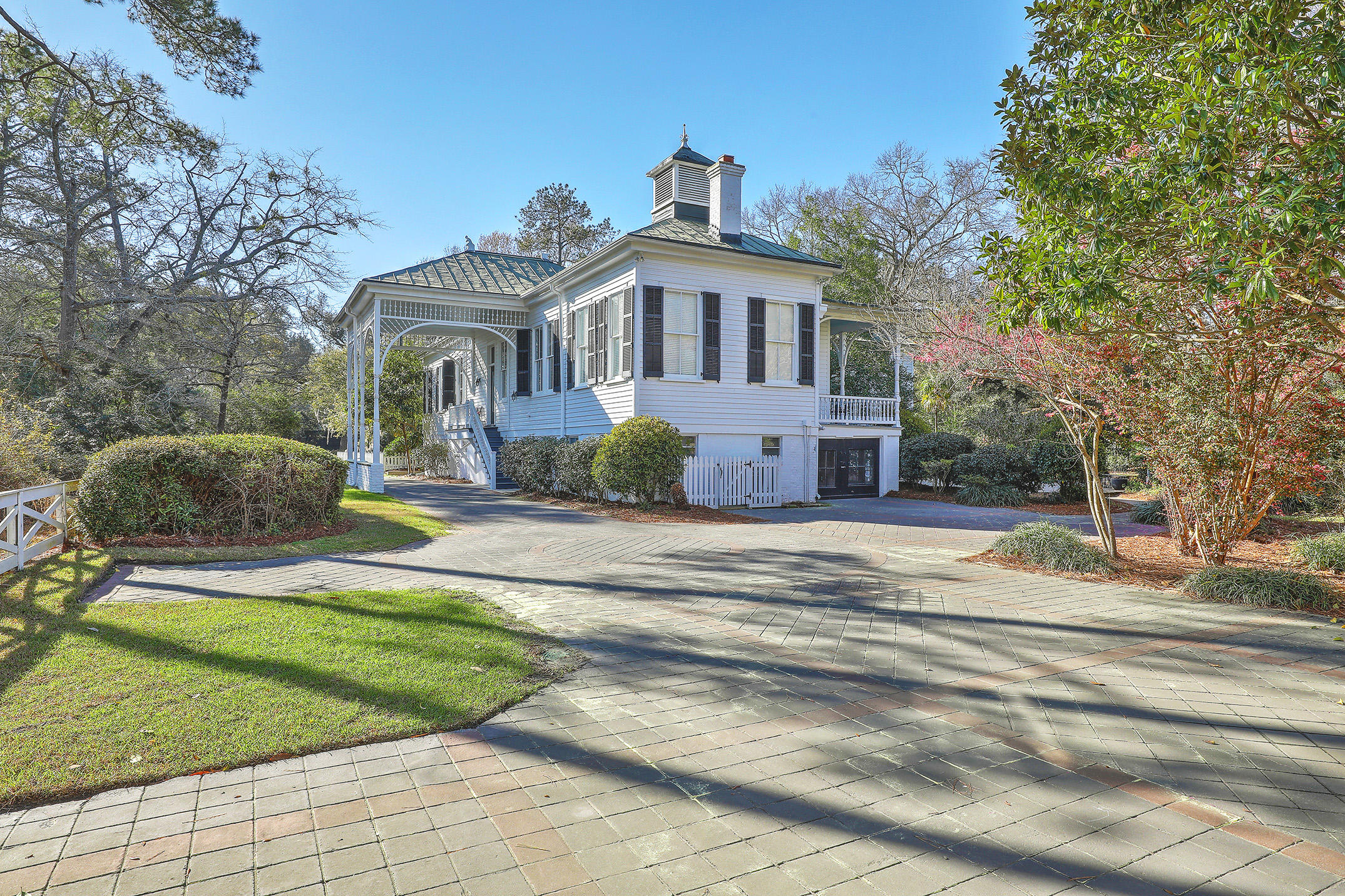 Photo of 116 Marion Ave, Summerville, SC 29483