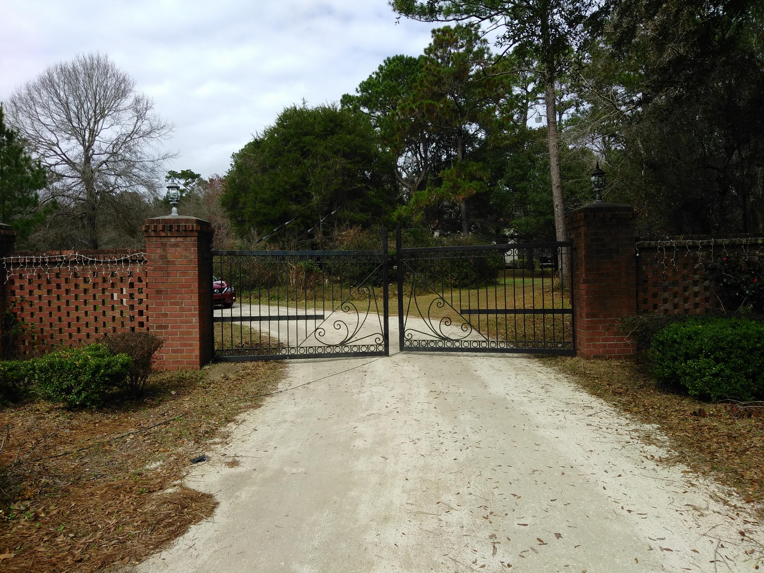 Photo of 9270 US-17, McClellanville, SC 29458