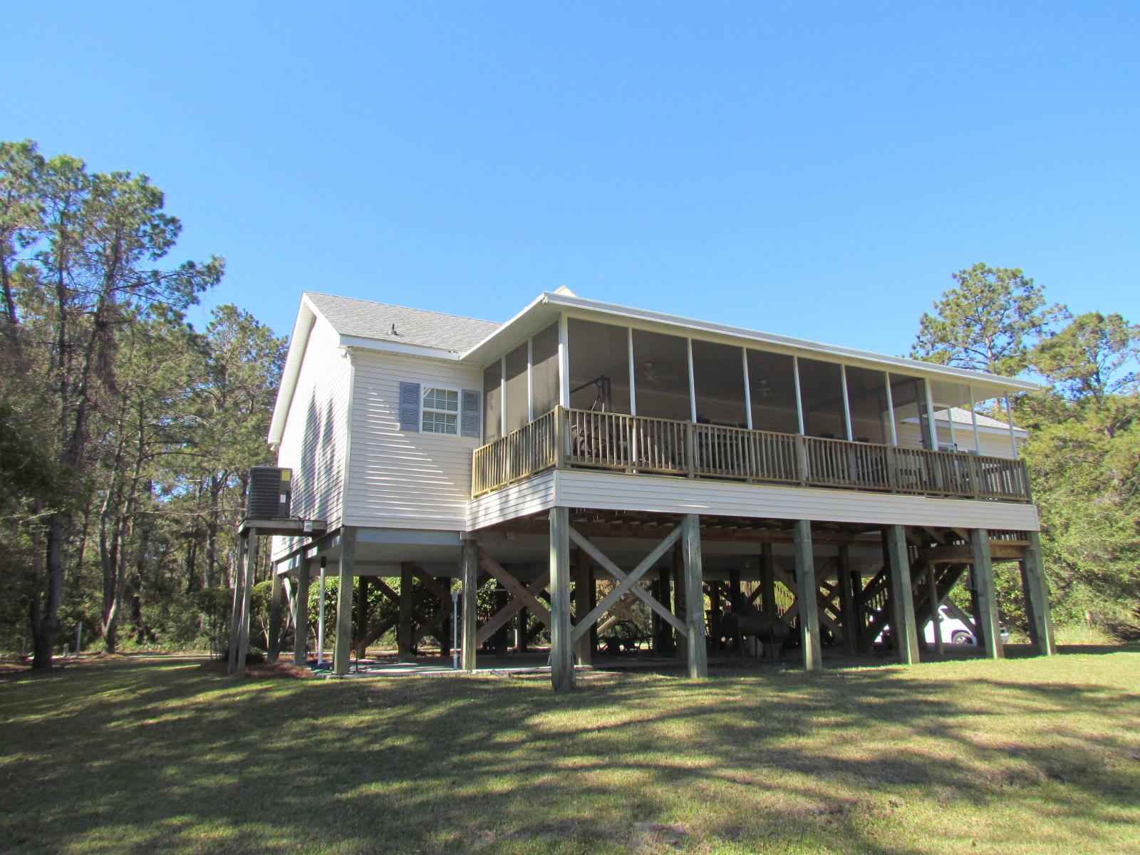 Photo of 520 Fishing Creek Dr, Edisto Island, SC 29438