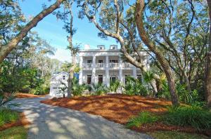 Waterfront homes in Charleston, South Carolina