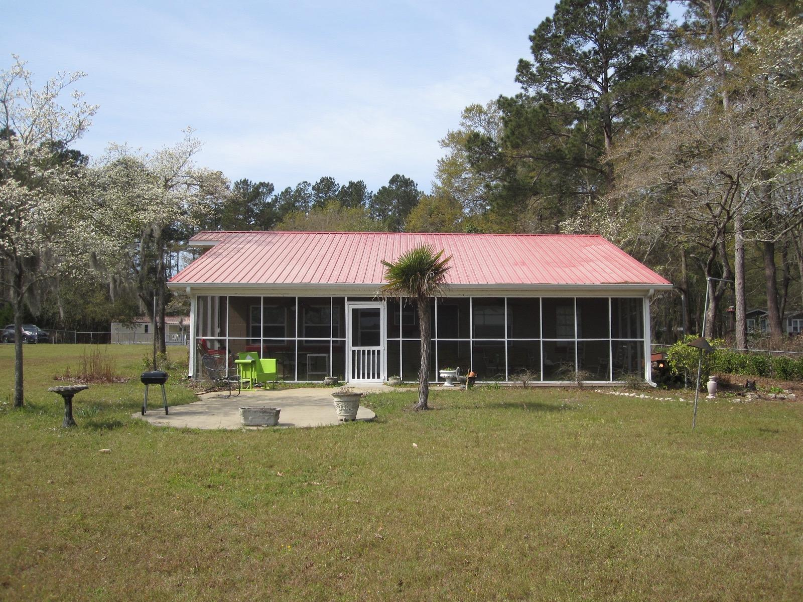 Photo of 1495 Clubhouse Rd, Summerton, SC 29148
