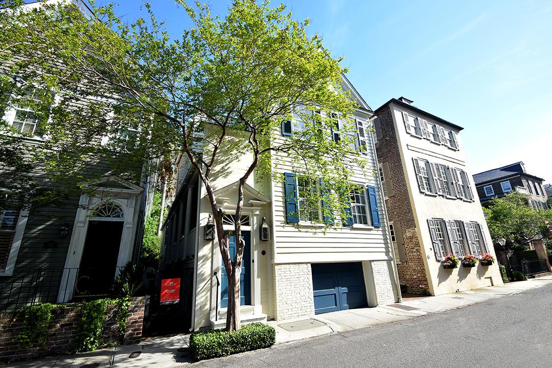Photo of 80 Tradd St, Charleston, SC 29401