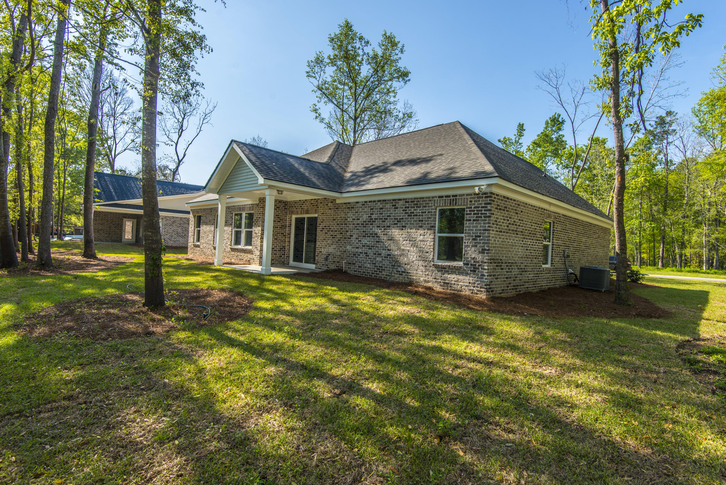 Photo of 1010 Baker Dr, Moncks Corner, SC 29461