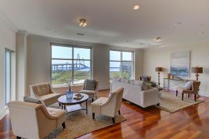 Home for Sale Cooper River Drive, Tides Condominiums, Mt. Pleasant, SC