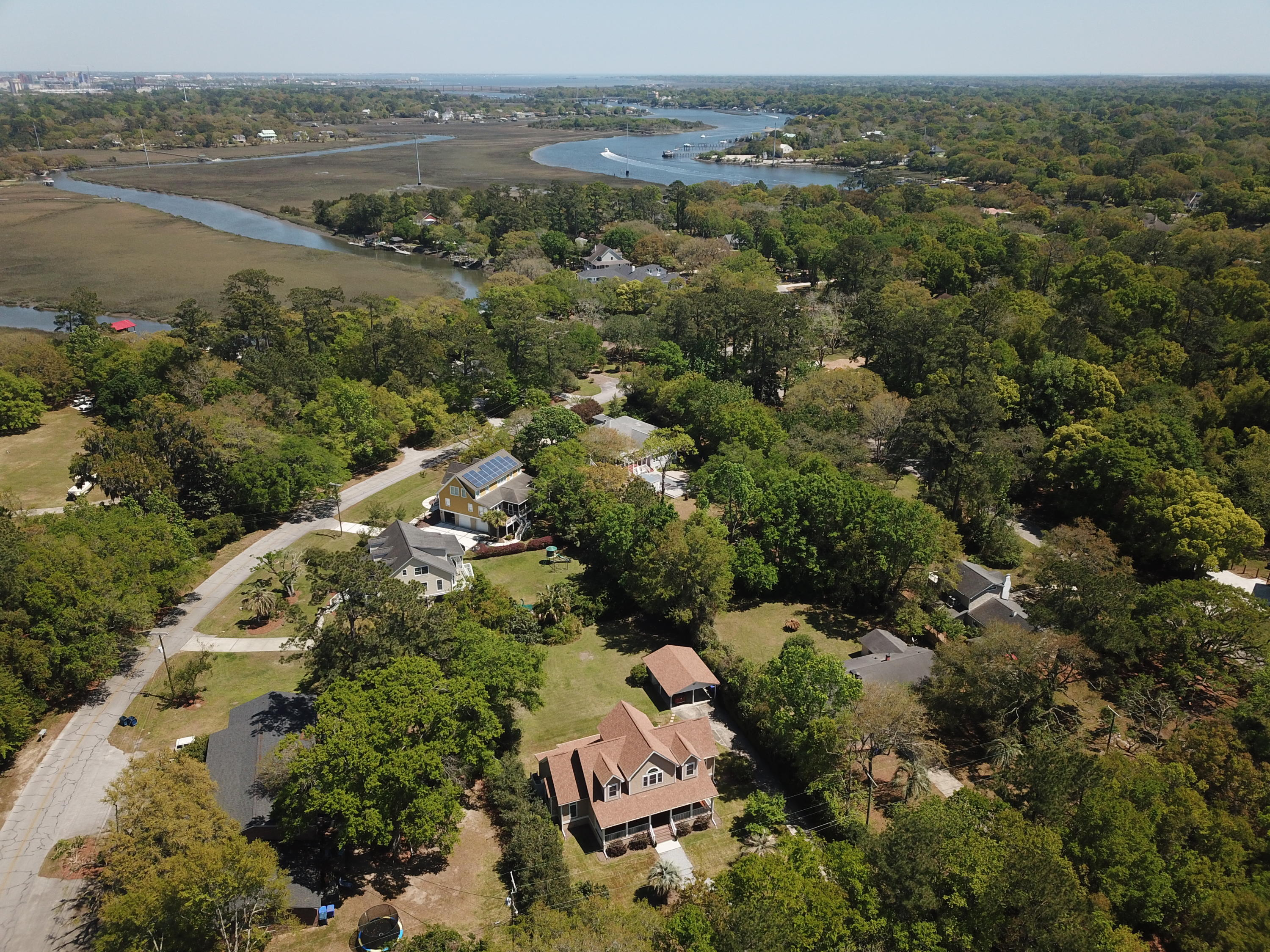 Photo of 176 Island Dr, Charleston, SC 29407