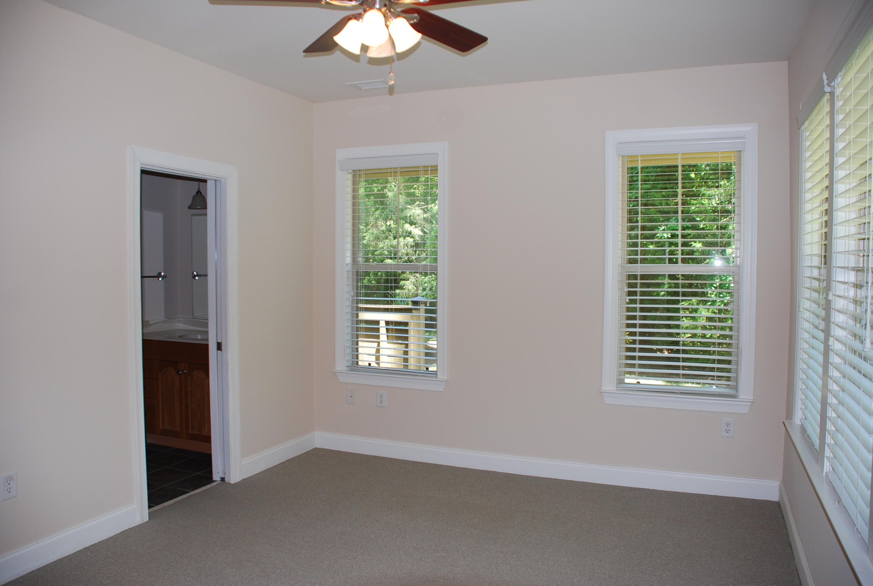Summers Bend on the Ashley Homes For Sale - 5555 Colonial Chatsworth, North Charleston, SC - 24
