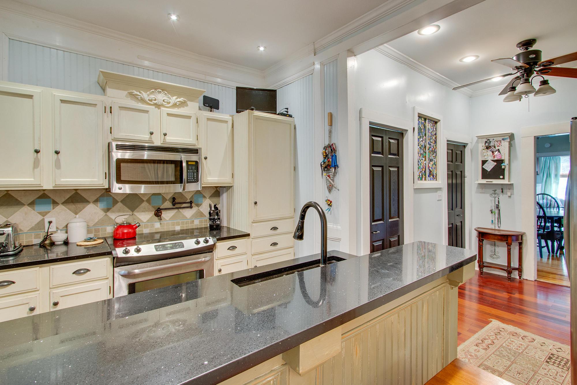 Historic District Homes For Sale - 308 Pine, Summerville, SC - 14