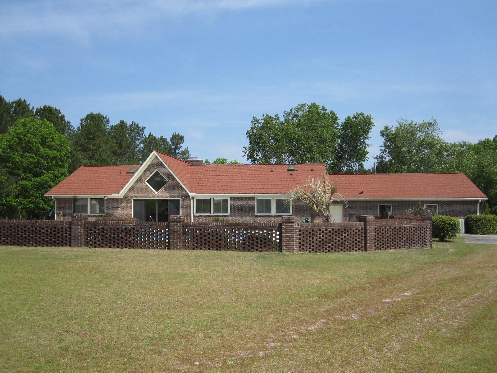 Photo of 2170 Thompson Dr, Manning, SC 29102