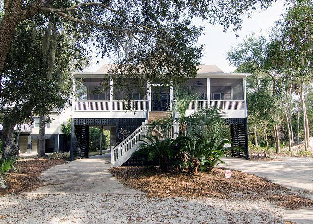 Photo of 1911 Baynard St, Edisto Island, SC 29438