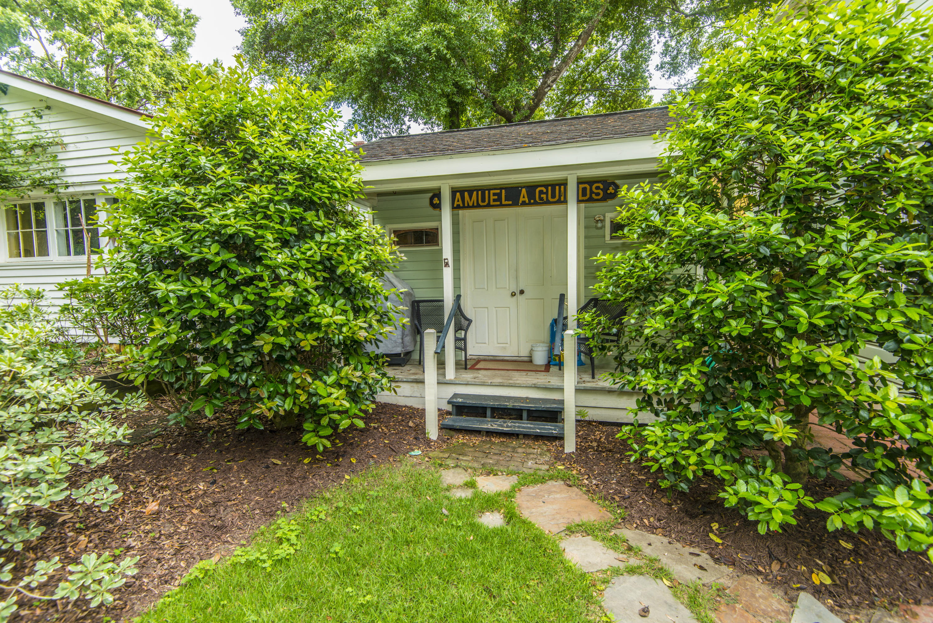 Photo of 301 Morrison St, Mt Pleasant, SC 29464