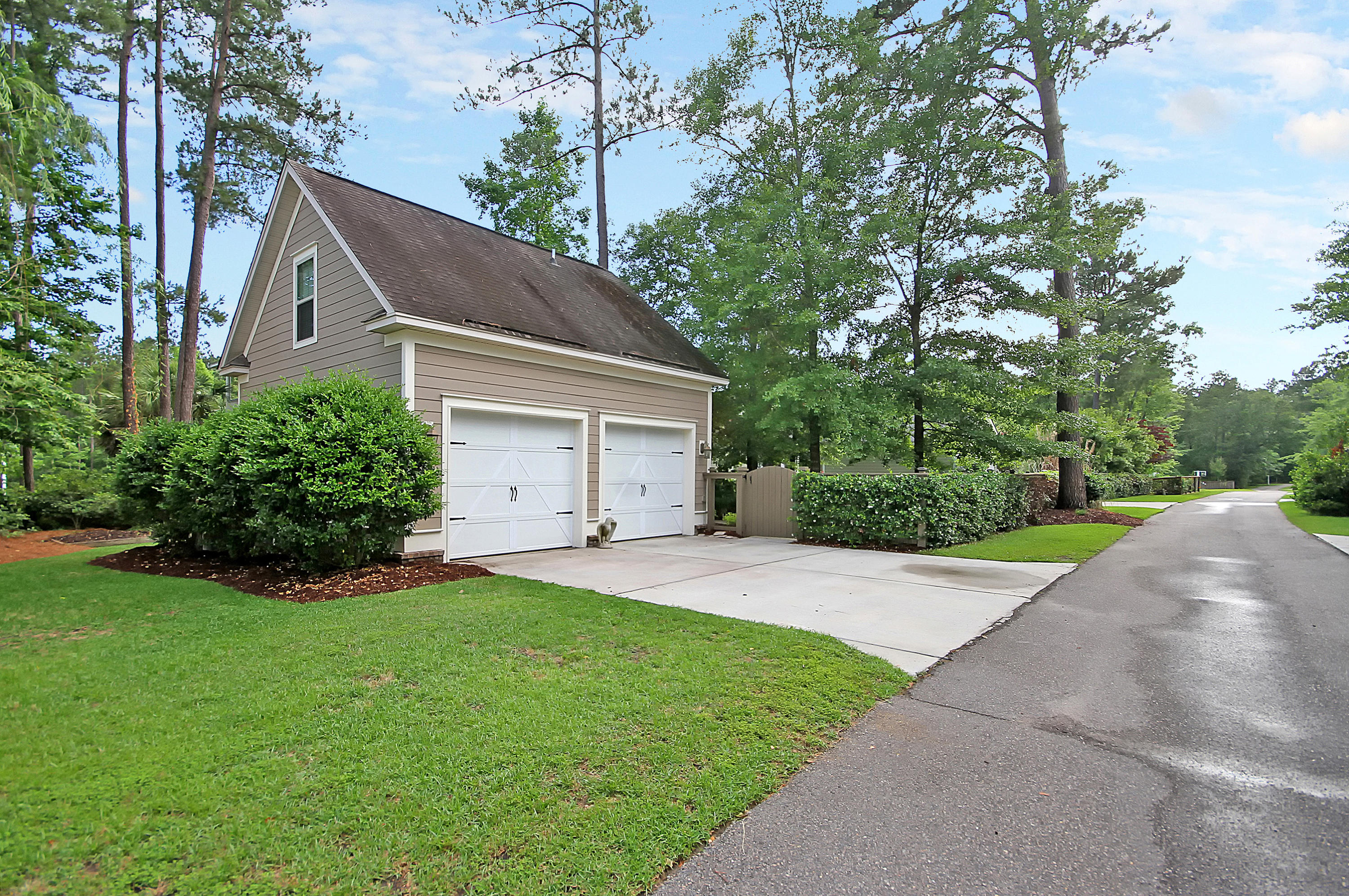 Photo of 144 Red Bay Ln, Summerville, SC 29483