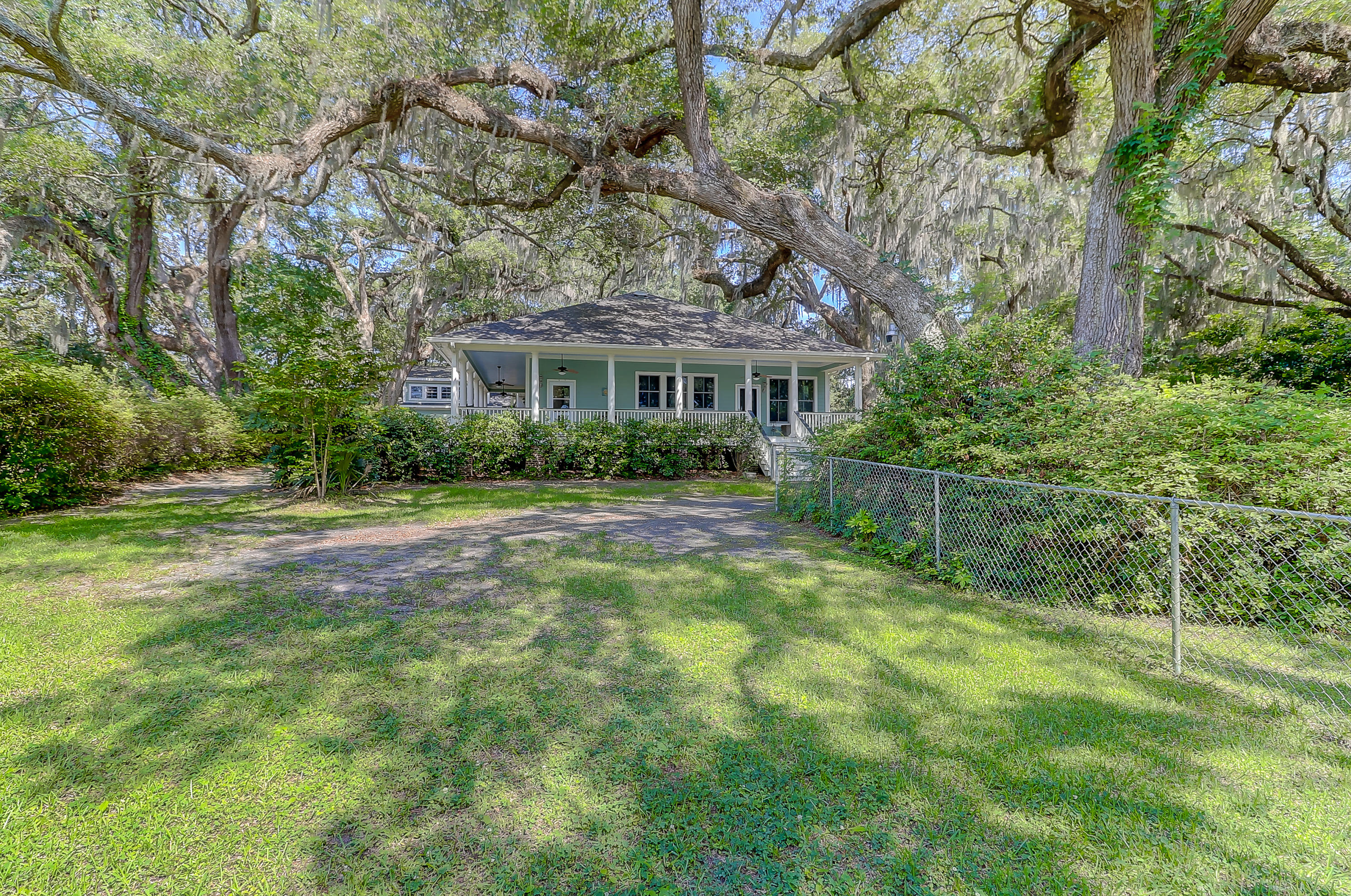 Photo of 4580 Olde Smoak House Rd, Hollywood, SC 29449
