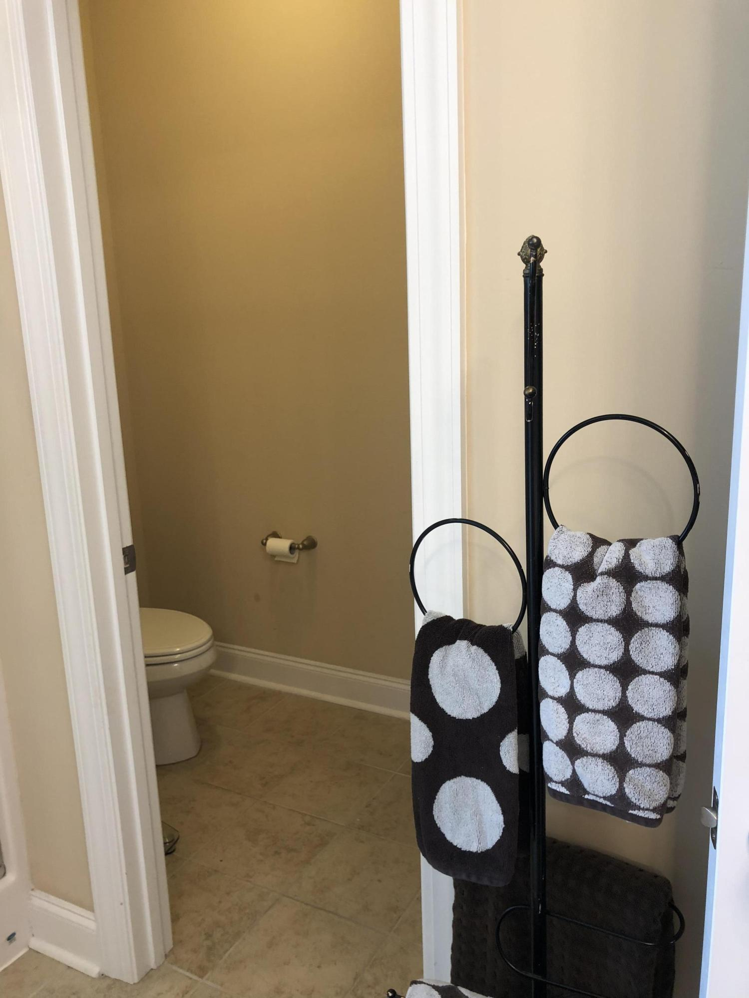 White Gables Homes For Sale - 206 Amaryllis, Summerville, SC - 15