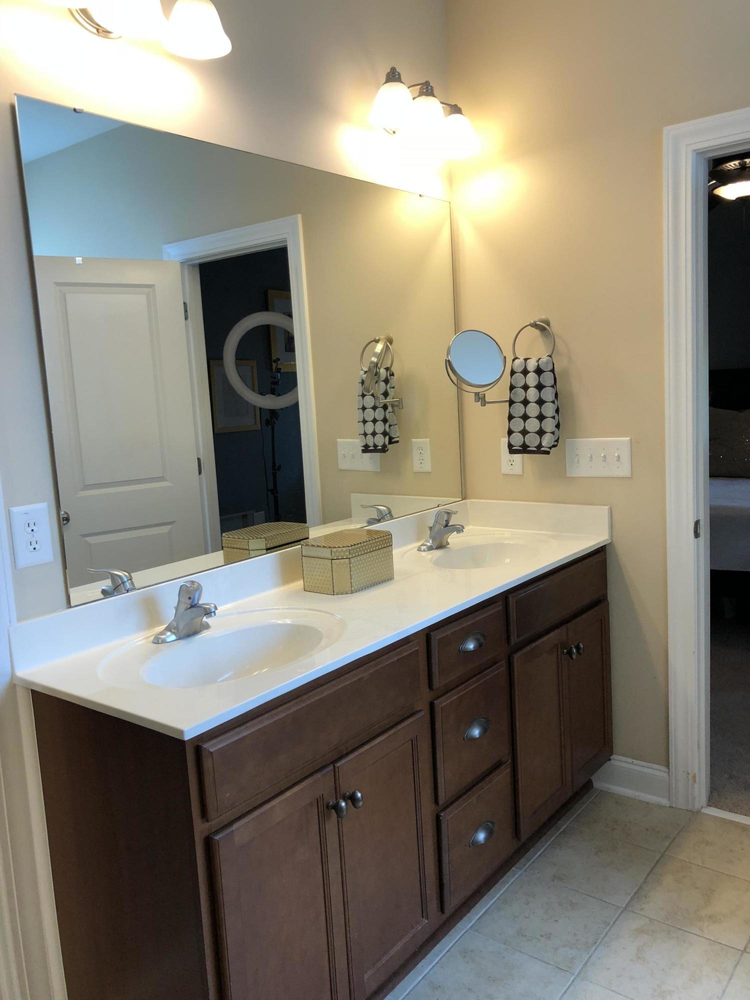 White Gables Homes For Sale - 206 Amaryllis, Summerville, SC - 16