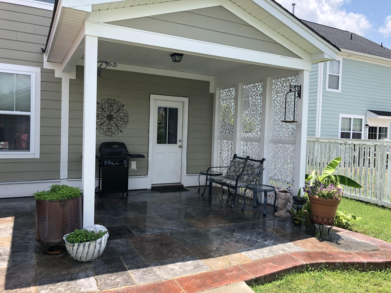 White Gables Homes For Sale - 206 Amaryllis, Summerville, SC - 11