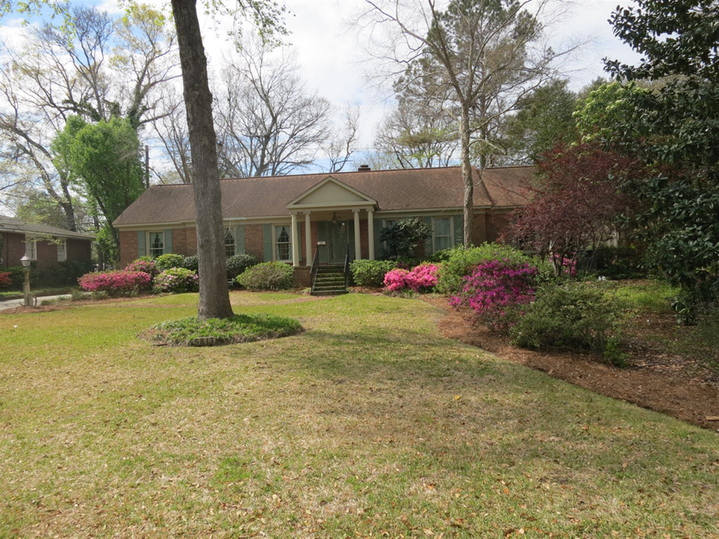 Photo of 5813 Lakeview Dr, Hanahan, SC 29410