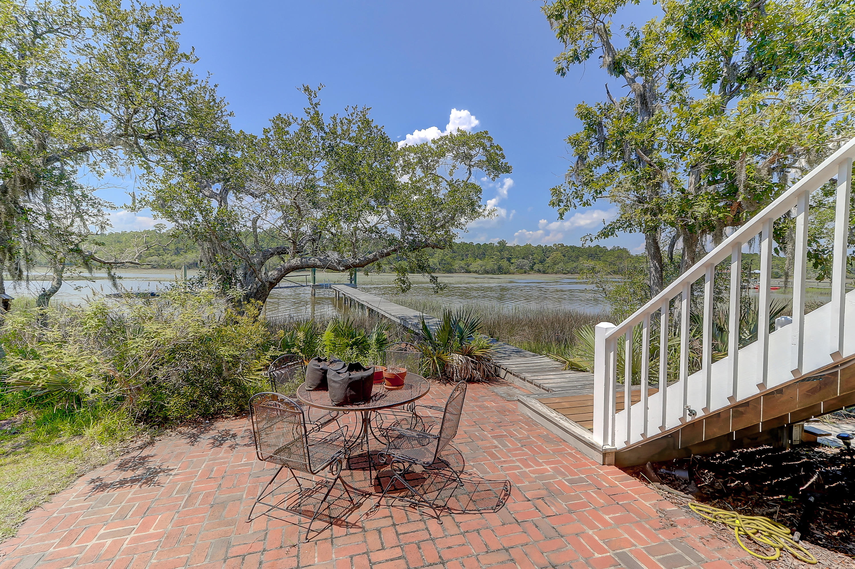 Photo of 8040 White Point Rd, Hollywood, SC 29449