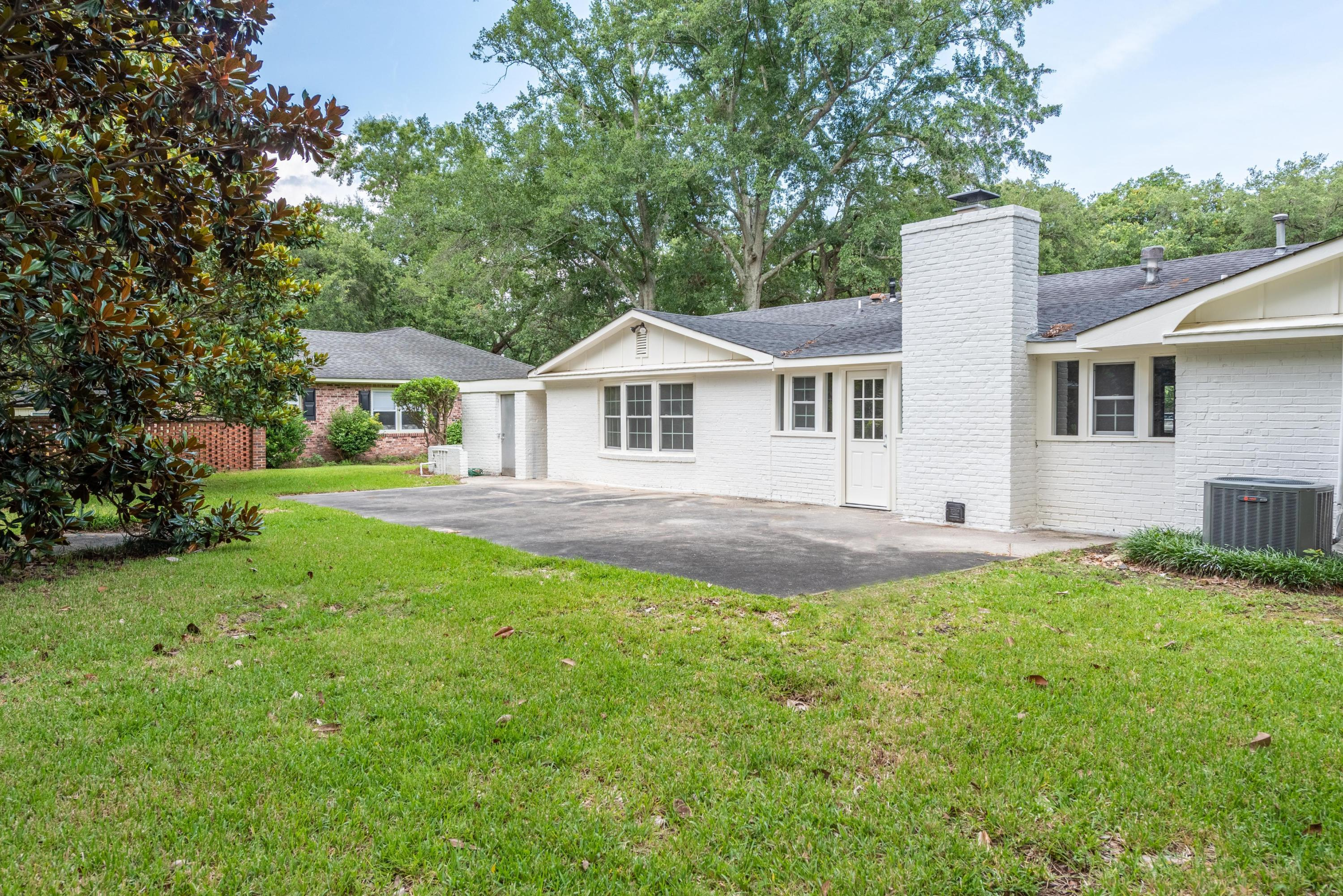 Photo of 1913 Westminster Rd, Charleston, SC 29407