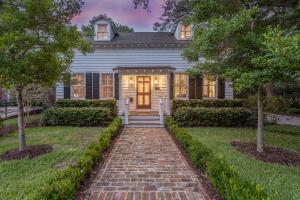 Photo of 616 Pitt Street, Old Village, Mount Pleasant, South Carolina