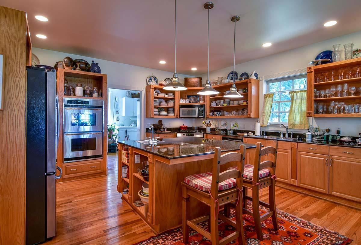 Ask Frank Real Estate Services - MLS Number: 18020009