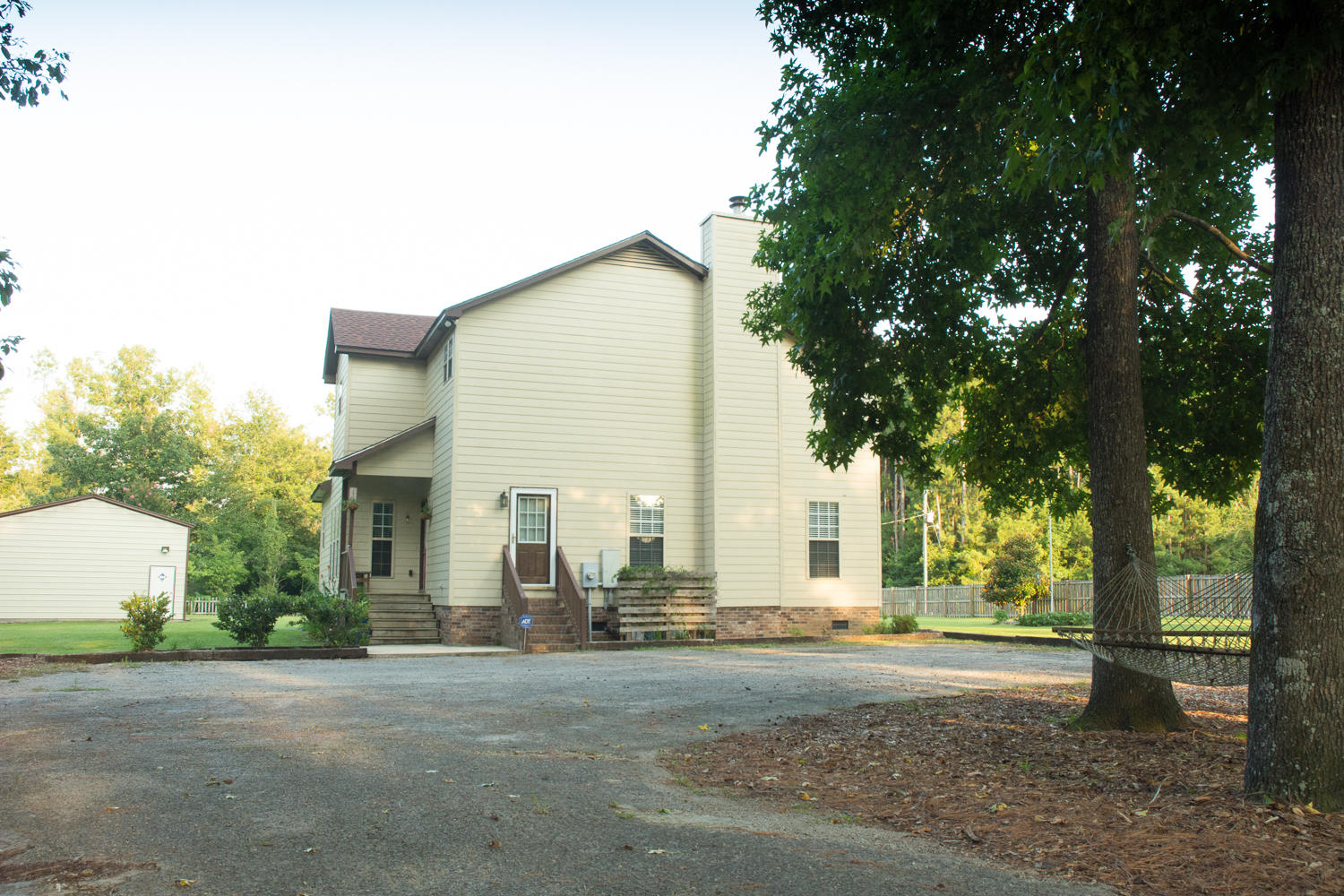 Photo of 1594 E Church St, Bonneau, SC 29431